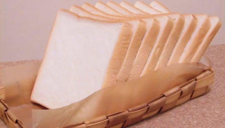 食パン1斤・1枚のカロリーや糖質について分析。糖質オフの食パンも紹介