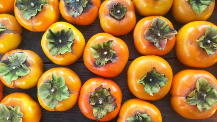 柿はビタミンの宝庫!気になるカロリーや糖質は?