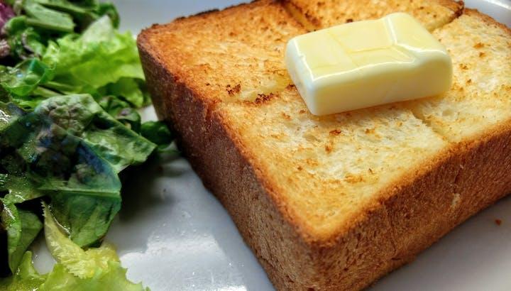 バターは高カロリー・低糖質!マーガリンとの違いも含めて徹底解説