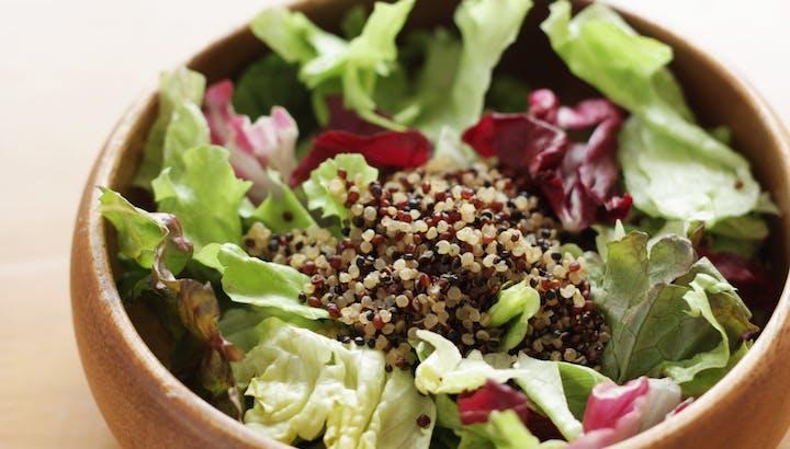 炊いたキヌアは低カロリー・低糖質!ダイエットにおすすめのレシピも