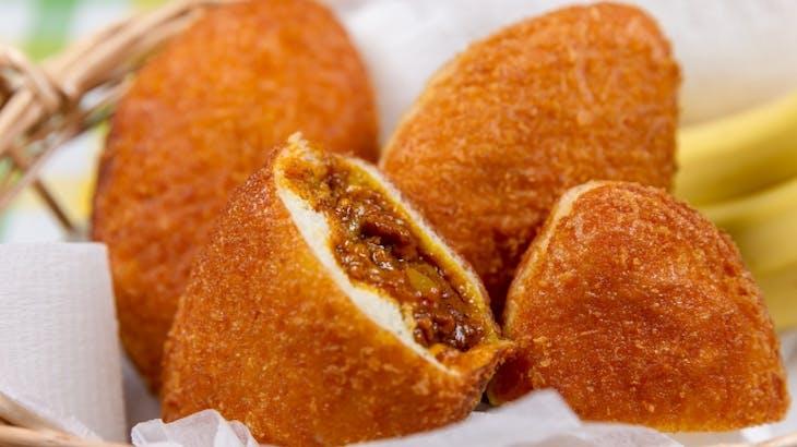 カレーパンは高カロリーで高糖質!ダイエットには不向きな食材!