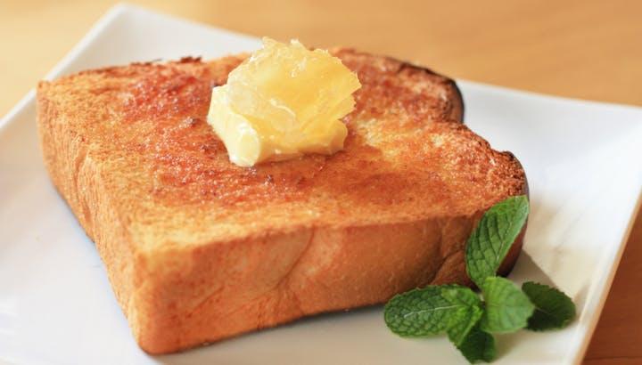 気になるトーストのカロリー・糖質を徹底調査!太りにくい食べ方も解説