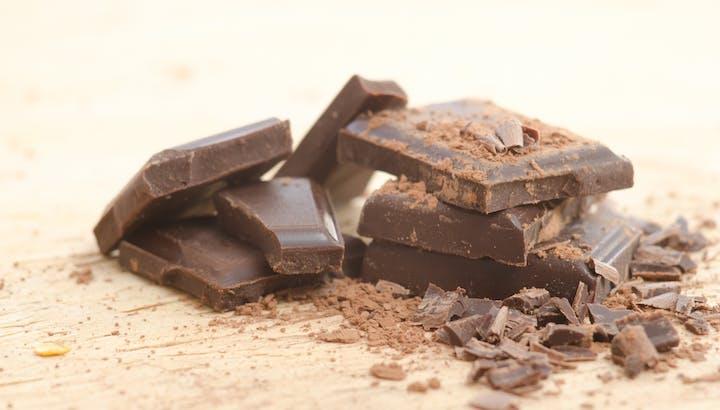 【管理栄養士監修】チョコレートのカロリーや糖質を徹底調査!ダイエット中のおやつに食べて大丈夫?