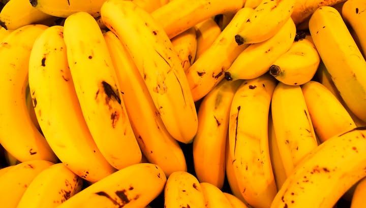 バナナはダイエット向き?カロリー・糖質や食べるメリットを管理栄養士が解説