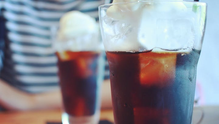 コーラのカロリー・糖質を徹底解説!カロリーゼロでも飲みすぎに注意?