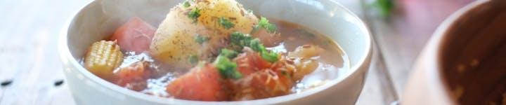 野菜スープのカロリーや糖質を一挙公開!低脂質・低カロリーで夜食に最適!