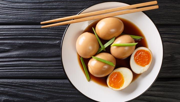 ゆで卵のカロリーや糖質を徹底解説!糖質制限・筋トレ向きの茹で方は?