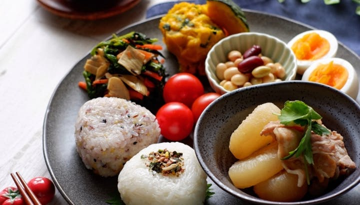 「ダイエット中どんなご飯を食べたらいいの?」を管理栄養士が徹底解説